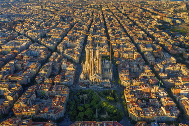 ES257RF Spain, Catalunya, Barcelona, Aerial view of Eixample district and Sagrada Familia Cathedral
