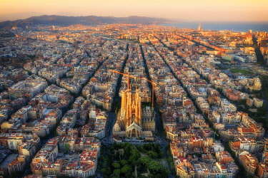 ES02359 Spain, Catalunya, Barcelona, Aerial view of Eixample district and Sagrada Familia Cathedral