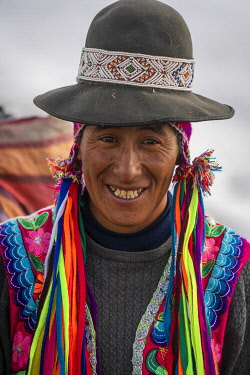 PER34357AW Portrait of smiling Peruvian horseman, Uchullujllo, Pitumarca District, Canchis Province, Cuzco Region, Peru