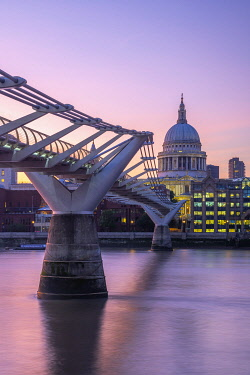 UK761RF UK, England, London, Millennium Bridge over River Thames and St. Paul's Cathedral