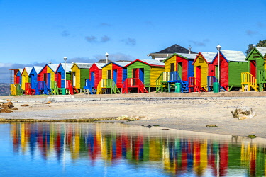 SAF7628AW Colorful beach houses on the beach, Muizenberg, Cape Town, Western Cape, South Africa