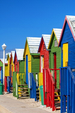 SAF7629AW Colorful beach houses on the beach, Muizenberg, Cape Town, Western Cape, South Africa