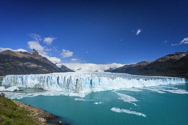 ARG3121AWRF Perito Moreno Glacier in Argentino Lake, UNESCO, Los Glaciares National Park, El Calafate, Santa Cruz Province, Argentina