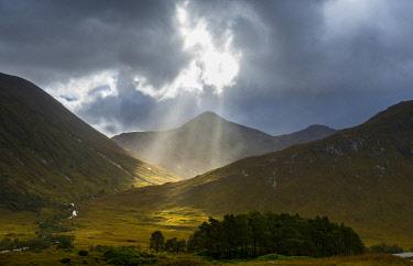 SCO35521AW Scenic view of mountainous landscape, Coileitir, Glen Coe, The Highlands, Scotland, United Kingdom