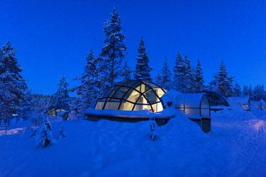 HMS3216731 Finland, Lapland province, Inari, Saariselka, Kakslauttanen Arctic Resort East Village, glass igloo