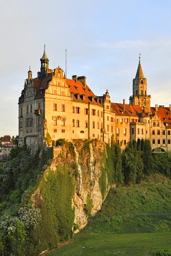 HMS3418889 Germany, Baden Wurttemberg, Upper Swabia (Schwäbische Alb), Sigmaringen, Sigmaringen Castle, a Hohenzollern castle, royal residential palace and administrative seat of the Princes of Hohenzollern-Sig...