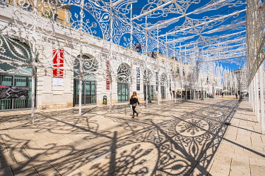 HMS3296555 Italy, Apulia, Bari, Piazza del Ferrarese decorated for Saint Nicholas festival every year in May
