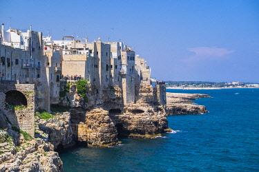 HMS3296738 Italy, Apulia, Polignano a Mare, the historic centre is perched on a limestone cliff overlooking the Adriatic Sea