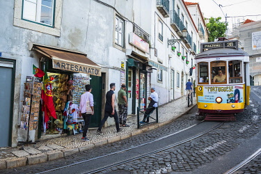 HMS3358616 Portugal, Lisbon, Alfama district, the tramway is the most convenient means of transport