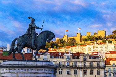 HMS3358624 Portugal, Lisbon, Sao Jorge castle view from Figueira square and equestrian statue of King Jose I