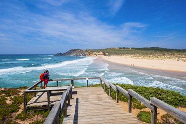HMS3373864 Portugal, Algarve region, Southwest Alentejano and Costa Vicentina Natural Park, Aljezur, Praia da Amoreira at the mouth of Aljezur river
