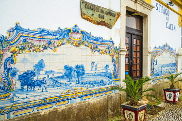 HMS3374187 Portugal, Alentejo region, Santiago do Cacem on the hiking trail Rota Vicentina (historical Way GR 11), former train station covered with azulejos