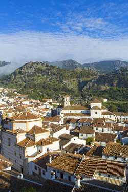 HMS3295840 Spain, Andalucia, Province of Cadiz, Grazalema, Sierra de Grazalema Natural Parc, White village (Pueblos Blancos) on the White Villages road (Ruta de los Pueblos Blancos)