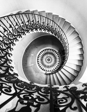 ENG16276AW The Tulip Stairs - a spiral staircase in the Queen�s House, Greenwich, London, England