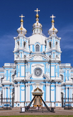 RUS2062AW Smolny Cathedral (Sobor) by Francesco Bartolomeo Rastrelli, built between 1748 & 1764, Saint Petersburg, Russia