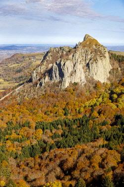 HMS3414195 France, Puy de Dome, regional natural park of Auvergne volcanoes, Monts Dore, Col de Guéry, the rock Sanadoire, a volcanic protrusion