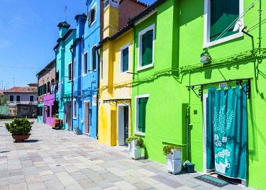 ITA14873 Italy. Veneto. Venice. Burano. Colourful Houses on the island of Burano.