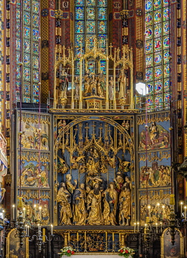 POL2251AW Veit Stoss Altarpiece, Basilica of Saint Mary interior, Cracow, Lesser Poland Voivodeship, Poland