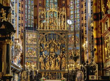 POL2257AW Veit Stoss Altarpiece, Basilica of Saint Mary interior, Cracow, Lesser Poland Voivodeship, Poland