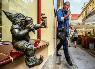 POL2300AW Dwarf Sculpture at the Old Town, Wroclaw, Lower Silesian Voivodeship, Poland