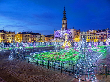 POL2351AW Christmas Decorations at the main square of Zamosc, Lublin Voivodeship, Poland