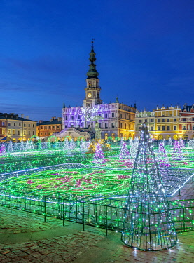 POL2352AW Christmas Decorations at the main square of Zamosc, Lublin Voivodeship, Poland