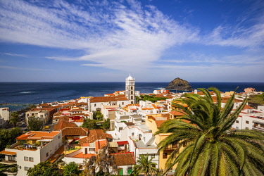 ES09638 Spain, Canary Islands, Tenerife Island, Garachico, elevated town view with the Iglesia de Santa Ana church