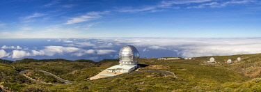 ES09696 Spain, Canary Islands, La Palma Island, Parque Nacional Caldera de Taburiente national park,  Roque de los Muchachos Observatory, Gran Telescopio Canario, GTC, one of the world's largest telescopes