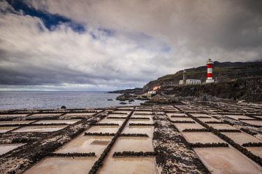 ES09723 Spain, Canary Islands, La Palma Island, Fuencaliente de la Palma, Punta de Fuencaliente, salt pans and lighthouse