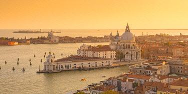 IT02905 Basilica di Santa Maria della Salute, Grand Canal, Venice, Veneto, Italy