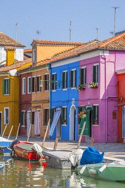 IT02924 Colourful houses, Burano, Venice, Veneto, Italy