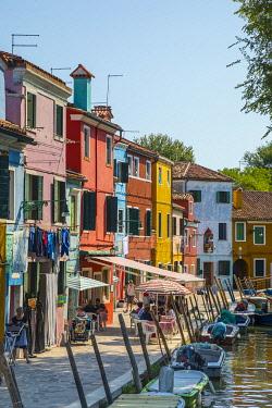 IT02928 Colourful houses, Burano, Venice, Veneto, Italy