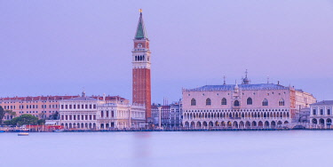 IT02958 Campanile and the Doge's Palace, Piazza San Marco (St. Mark's Square), Venice, Veneto, Italy