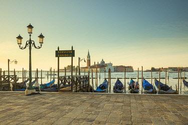 IT021010 San Giorgio Maggiore, Piazza San Marco, Venice, Veneto, Italy