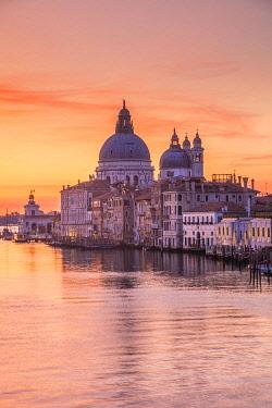 IT021020 Basilica di Santa Maria della Salute, Grand Canal, Venice, Veneto, Italy