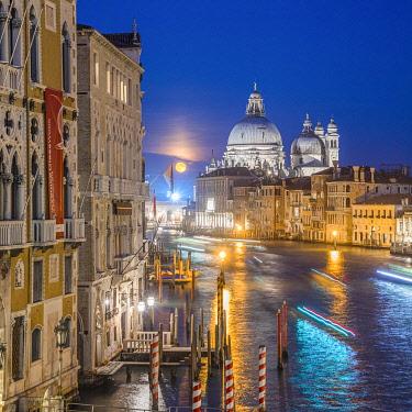 IT021026 Basilica di Santa Maria della Salute, Grand Canal, Venice, Veneto, Italy
