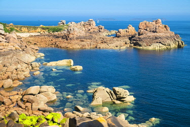 HMS3342089 France, Cotes d'Armor, Pink Granite Coast, Perros-Guirec, Ploumanac'h, on the Customs footpath or GR 34 hiking trail