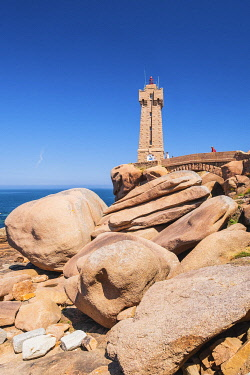 HMS3342164 France, Cotes d'Armor, Pink Granite Coast, Perros-Guirec, on the Customs footpath or GR 34 hiking trail, Ploumanac'h or Mean Ruz lighthouse