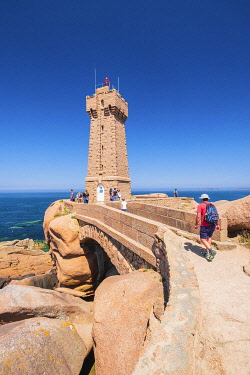 HMS3342167 France, Cotes d'Armor, Pink Granite Coast, Perros-Guirec, on the Customs footpath or GR 34 hiking trail, Ploumanac'h or Mean Ruz lighthouse