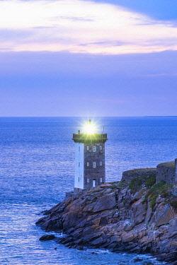 HMS3348635 France, Finistere, Le Conquet, Kermorvan peninsula, Kermorvan lighthouse built in 1849