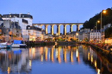 HMS3483864 France, Finistere, Morlaix, The Harbour and the viaduct