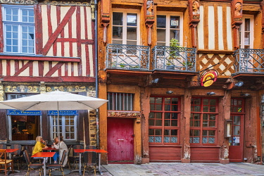 HMS3341842 France, Ille-et-Vilaine, Rennes, Chapitre street 20, half-timbered house with carved polychrome busts of the 16th century