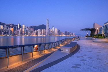 CH12091AW Tsim Sha Tsui promenade at dawn, Tsim Sha Tsui, Kowloon, Hong Kong