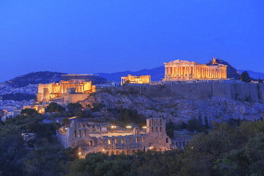 GRE1757AW The Acropolis illuminated by floodlight, Athens, Greece
