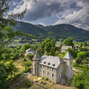 HMS3348154 France, Cantal, Vic sur Cere, Ol Puech castel, bed and breakfast (aerial view)