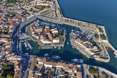 HMS3357053 France, Charente Maritime, Saint Martin de Re, listed as World Heritage by UNESCO, the harbour (aerial view)