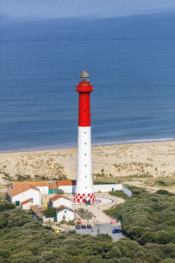 HMS3357067 France, Charente Maritime, Les Mathes, la Coubre lighthouse (aerial view)