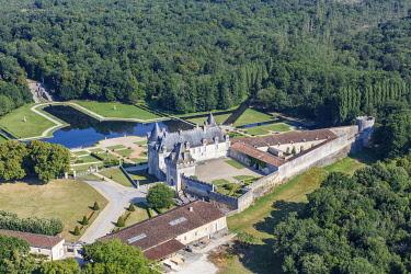 HMS3357106 France, Charente Maritime, St Porchaire, la Roche Courbon castle (aerial view)