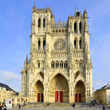 HMS3528322 France, Somme, Amiens, Notre-Dame cathedral, jewel of the Gothic art, listed as World Heritage by UNESCO, the western facade