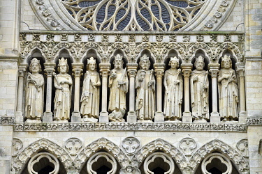 HMS3528325 France, Somme, Amiens, Notre-Dame cathedral, jewel of the Gothic art, listed as World Heritage by UNESCO, the western facade, gallery of kings statues above the 3 porches
